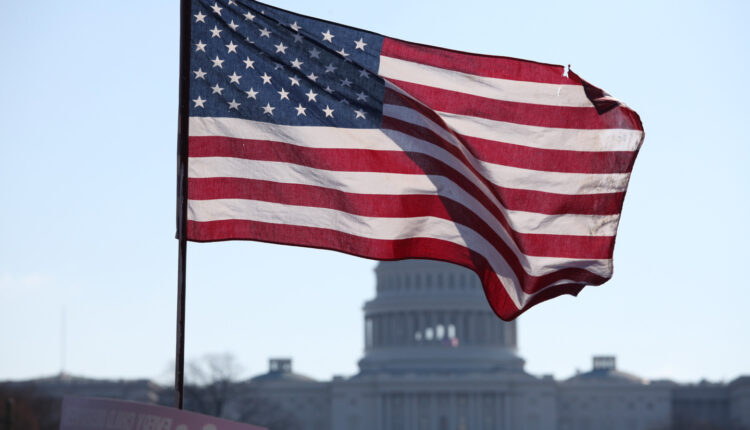 США готовятся ввести новые санкции против близких к Путину лиц