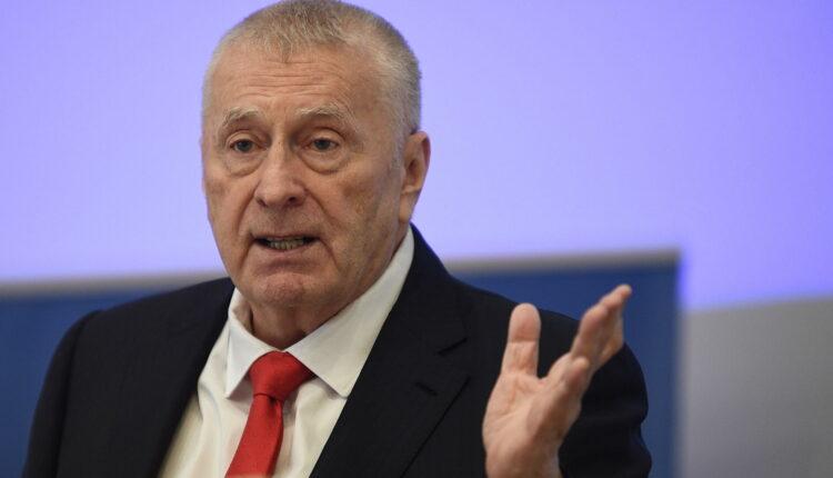 Депутат от ЛДПР потребовал привлечь Жириновского к уголовной ответственности