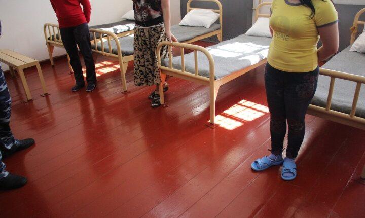 Прокуратура обнаружила сотни нарушений в условиях содержания женщин и детей в следственных изоляторах